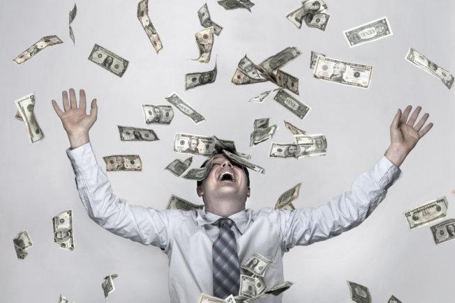 آیا پول بر خوشبختی و بهزیستی تاثیر می گذارد؟