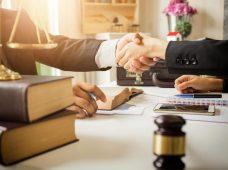 وکیل خوب با این ویژگی ها متمایز می شود