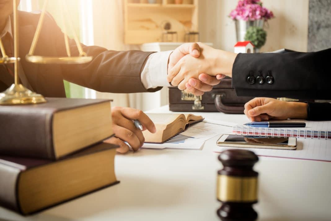 وکیل خوب با این ویژگی ها متمایز می شود- آدرس وکیل خوب - کانون مشاوران ایران