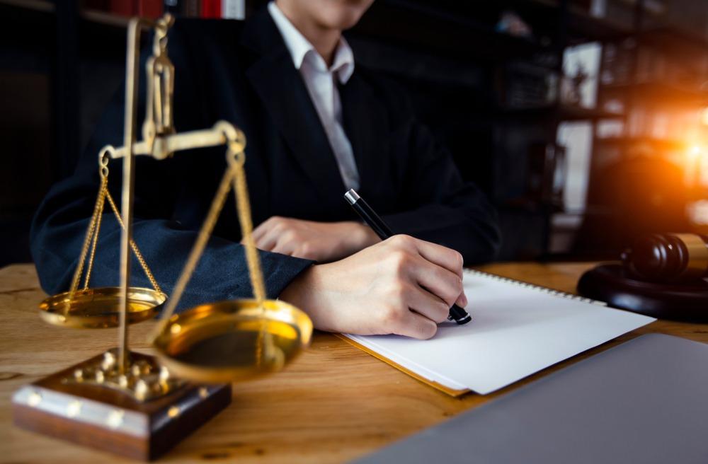 وکیل چه کسی است؟